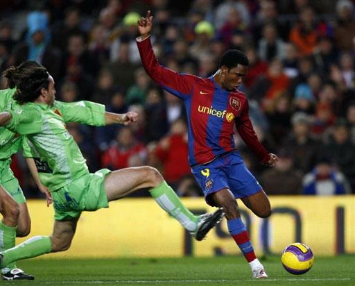 """图文-[西甲]巴塞罗那vs穆尔西亚""""猎豹""""拔脚怒射"""