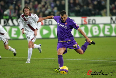 图文-[意甲]佛罗伦萨2-1都灵维埃里点球发炮