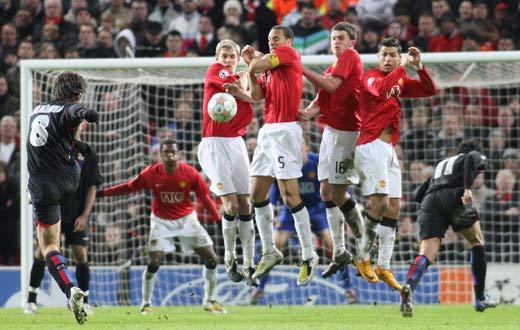 图文-[冠军杯]曼联1比0里昂儒尼尼奥任意球威风不再
