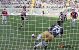 图文-[意甲]巴勒莫vs热那亚卡瓦尼受伤被换下场