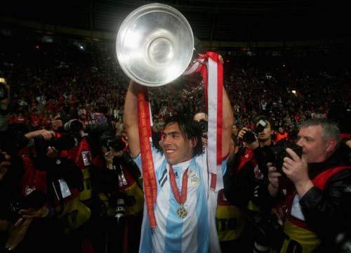 图文-曼联点胜切尔西欧洲登顶这是阿根廷人的荣耀