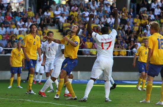 图文-[欧青赛]英格兰VS瑞典队长让球队彻底崩盘