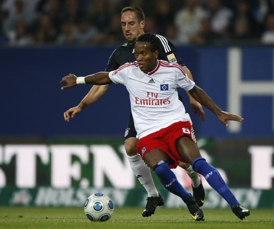 图文-[德甲]汉堡1-0拜仁泽-罗伯托甩开里贝里