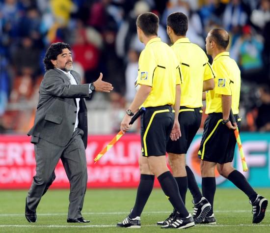图文-[小组赛]希腊0-2阿根廷裁判:少来这套