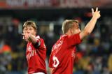丹麦球员手语招呼