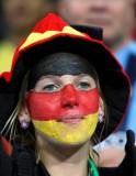 德国女球迷在助威