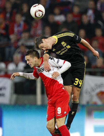 图文-[欧联杯]乌德勒支VS利物浦凯利头球力压对手