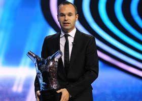 两票优势击败梅西C罗!伊涅斯塔荣膺欧洲最佳球员