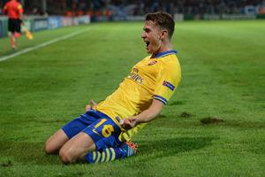 欧冠-阿森纳2-1客胜马赛那不勒斯2-1胜10人多特
