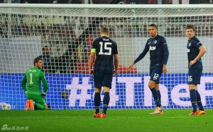 欧冠-沦陷!曼联客场0-2完败阿森纳外租小将破门