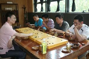 中国新闻界围棋公开赛蓄势待发王煜辉为棋手备战