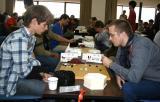 图文-智运会围棋男子个人赛第4轮外国帅哥下棋有特点