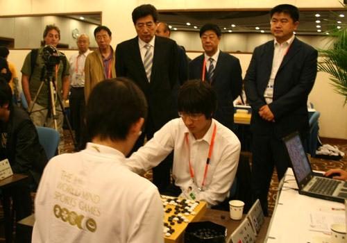 图文-智运会围棋男子个人赛第4轮郭市长关注对局