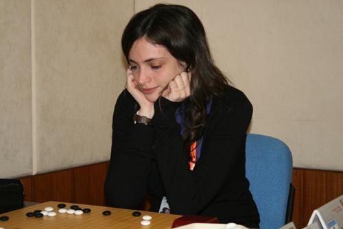 图文-10月6日智运会围棋女子个人赛外国美女棋手