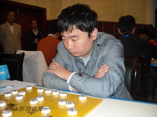 图文-全国象棋个人赛第3轮现场苗利明不敢大意