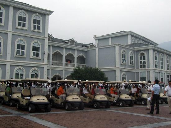 重庆市高尔夫球差点巡回赛上邦球员家门口夺冠