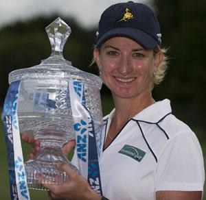澳洲女子大师赛韦伯创纪录夺冠神奇单轮造6杆优势