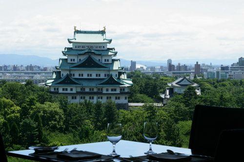 护城河畔的名古屋城堡