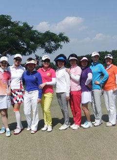 厦门鹭岛女子高尔夫球队十月例赛李雪芬夺冠