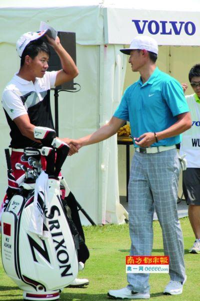 国家选手吴阿顺(左)和李昊桐今天双双跃居第一,昨天将参加冠军抢夺战。南都特派记者 顾晨白 摄