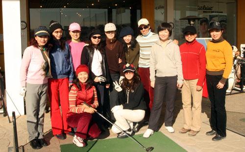 体育-木兰高尔夫女子图文活动合影_综合球队耐克女鞋篮球图片