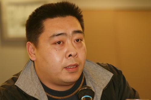 图文-别克俱乐部联赛工作会议河南高协代表发言