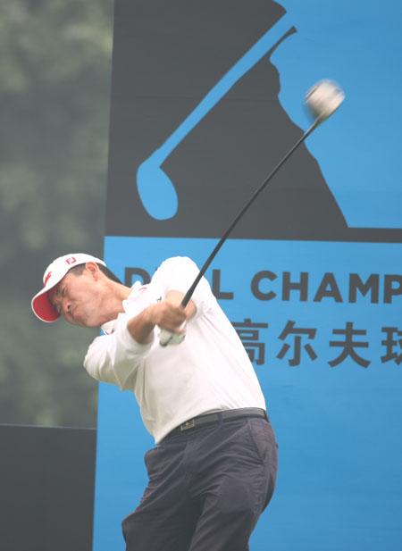 图文-戴尔高尔夫球锦标赛配对赛王先锋