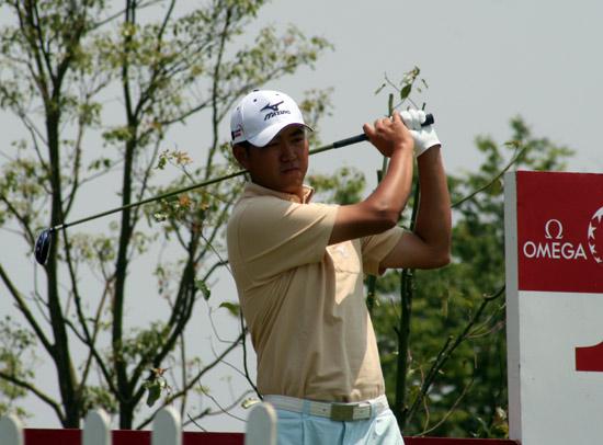 图文-上海锦标赛次轮李超第一洞