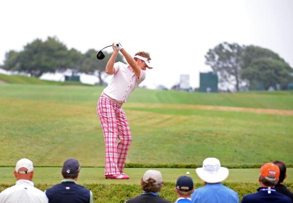 图文-第108届美国公开赛第二轮粉色保尔特开球