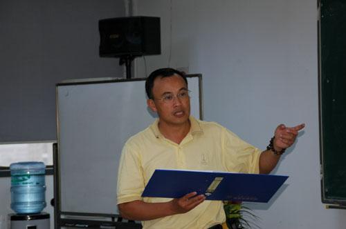图文-上海交大球场总经理EMBA六月课程余军发言