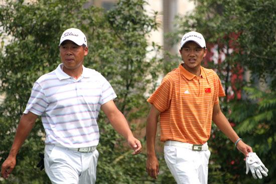 图文-中巡麓山锦标赛第三轮廖贵明与叶剑峰同组