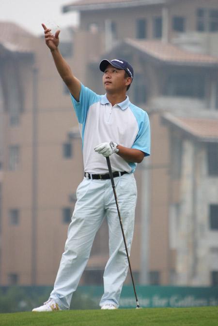 图文-麓山锦标赛决赛轮收杆袁浩欠缺一点点运气