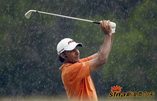 图文-泰国公开赛决赛轮战况兰德哈瓦风雨无阻