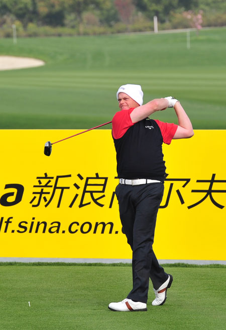 图文-VOLVO中国公开赛第三轮苏格兰选手大卫开球