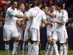 进球视频-匈牙利获得点球 队长主罚一蹴而就