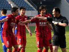视频集锦-布鲁诺点球王�龀�扳平 阿尔滨1-1上港