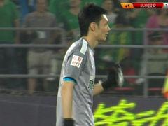视频-杨智出击再秀脚法 铲抢阿甘+中线花活戏耍
