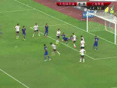 视频-阿尔滨角球造险情 刘殿座扑球脱手险丢球