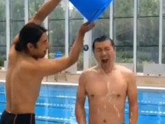 黄健翔接受冰桶挑战
