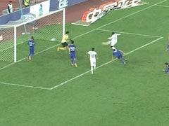 进球视频-艾利亚斯打门被堵 托洛萨补射得手