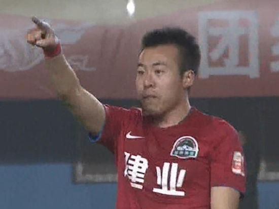 进球视频-导播镜头未跟上 李智超乱战扳平
