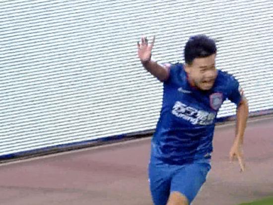 进球视频-萨米尔分球助攻 张新林2连击扳平