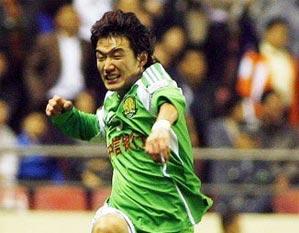 北京客场1-1阻击上海