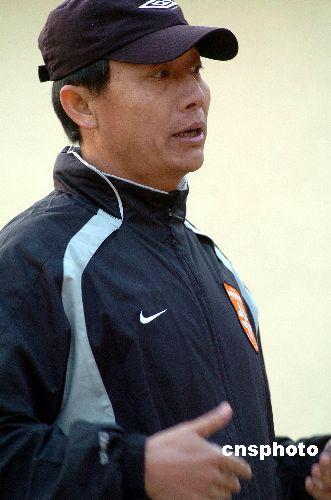 深足教练组酝酿人事变动王宝山或回归谢峰任新职