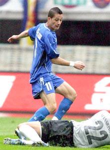 吴坪枫破门隆尼头球扳平陕西1比1平广州争冠受阻