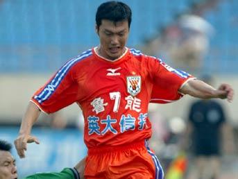中国齐祖20年足球生涯至尽头深足殊荣赠保级英雄