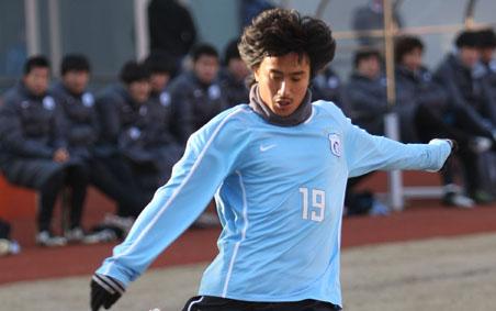 实德封存26号球衣纪念张亚林安贞焕为世界杯换号码