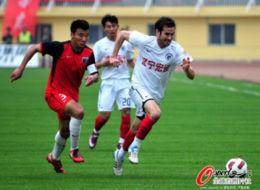 于汉超杨旭连下两城辽宁客场2比1送南昌三场连败