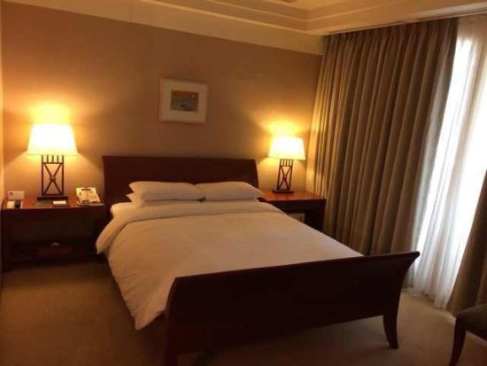 国安首尔下榻酒店房间