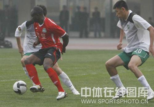 图文-[中超]河南建业2-0杭州绿城奥利萨德贝控球
